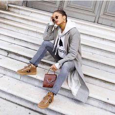 tênis veja marrom calça jeans moletom com capuz blazer Adidas Superstar, Converse All Star, Winter Dresses, Winter Outfits, Nike Air Force, Streetwear, Mein Style, French Girls, Black Trousers