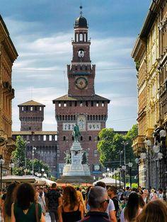 Milan Italy, Honeymoon Destinations, Luxury Travel, Vacation Trips, Bella, Big Ben, Beautiful Places, Tourism