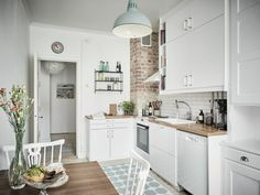 Outstanding modern kitchen room are offered on our website. Check it out and you wont be sorry you did. Modern Kitchen Cabinets, Kitchen Interior, Kitchen Decor, Kitchen Ideas, Nice Kitchen, Little Kitchen, Kitchen White, Kitchen Small, Kitchen Layout