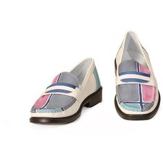 Mocassino shoes in natural handpainted leather, with leather soles. Ideal for every ocassion, even formal ones. Match them to your Business handbag! Colors blue light blue grey and pink on white background and pattern geometrical.