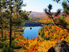 Indian Summer pur am Lac aux chevaux, Quebec, Kanada (Foto von SK-Kundin I. Meier) #Indian Summer, #prächtiges Farbenspiel, #Lac aux chevaux,#Quebec, #Canada