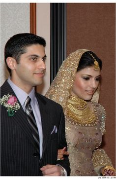 Pakistani bride, bridal, wedding, gold lengha