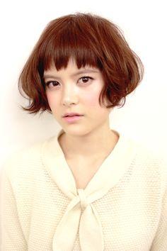 コーラルカラーで大人可愛く  style  YUJI  photo  YUJI