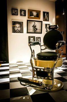 Vintage barber chair vintage barber chairs парикмахерская, б Barber Shop Chairs, Barber Shop Decor, Barber Chair Vintage, Vintage Chairs, Home Hair Salons, Barber Tattoo, Barber Shop Quartet, Barbershop Design, Estilo Retro