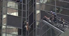 Hombre intenta escalar fachada de una Torre Trump en Nueva York - Punto MX
