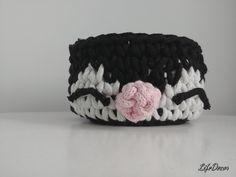 Beanie, Hats, Fashion, Moda, Hat, Fashion Styles, Beanies, Fashion Illustrations, Fashion Models