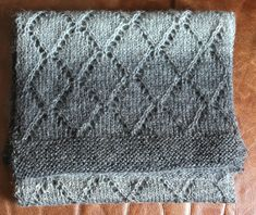 Knitted scarf - nice and easy Kids Blankets, Lace Scarf, Bindi, Knit Crochet, Crochet Patterns, Mens Fashion, Knitting, Crafts, Inspiration