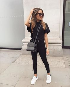 Winter to Spring Outfits ideen alltag 2019 ideen alltag 2020 - Outfit Ideen Basic Outfits, Mode Outfits, Cute Casual Outfits, Simple Outfits, White Outfits, All Black Outfit Casual, Cute All Black Outfits, Casual Ootd, Pink Blazer Outfits