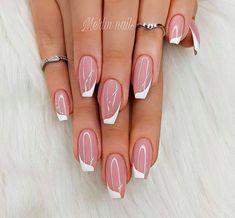 Francúzska manikúra, ako sme ju ešte nikdy nevideli: Prekrásne nápady, s kt… Fabulous Nails, Gorgeous Nails, Stylish Nails, Trendy Nails, Pretty Nail Art, French Tip Nails, French Nail Art, Colorful Nail Designs, Nagel Gel