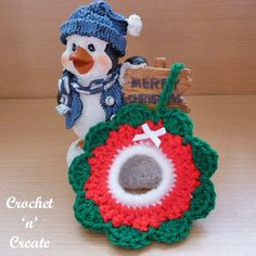 Crochet this pretty little Christmas tree wreath, at just over 3 inches in size, it is perfect to hang on your tree. Made in beautiful festive . Christmas Tree Pattern, Crochet Christmas Ornaments, Little Christmas Trees, Christmas Tree Wreath, Christmas Crochet Patterns, Christmas Tree Decorations, Christmas Crafts, Christmas Things, Christmas Items