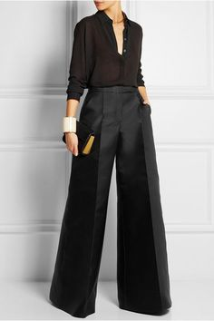 I a in love with these wide leg pants. Such a classy outfit., I a in love with these wide leg pants. Such a classy outfit. Casual Work Outfits, Work Casual, Classy Outfits, Chic Outfits, Fashion Outfits, Girl Outfits, Fashion Tips, Business Outfit Frau, Antonio Berardi
