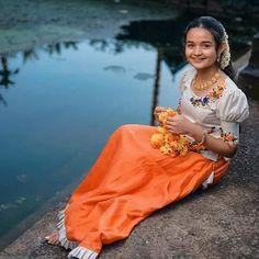 Cute Girl Dresses, Stylish Dresses For Girls, Set Saree Kerala, Diy Fashion Dresses, Dress Neck Designs, Blouse Designs, Long Skirt And Top, South Indian Wedding Saree, Lehenga Saree Design