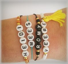 Letterkralen armbandjes via www.yellowspark.nl