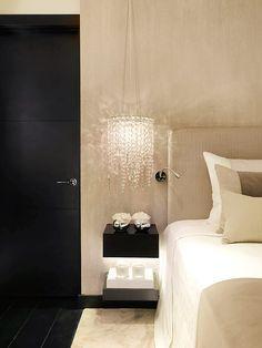 Te invitamos a un recorrido visual por un apartamento concebido en Londres por la diseñadora Kelly Hoppen.