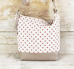 Punkte zählen: Umhängetasche aus Baumwolle / cotton shopper bag, with dos, polka dots by Miyas-Accessoires via DaWanda.com