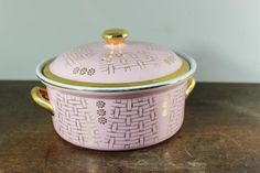 Hey, I found this really awesome Etsy listing at https://www.etsy.com/listing/260487591/vintage-hall-covered-casserole-pink