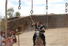 Festival Medieval de Alburquerque. Juegos medievales a caballo. Viajar por Extremadura