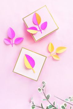 DIY Gift Wrapping Ideas DIY Paper Leaf Gift Toppers – Add a little dimension to your packaging with this quick and easy arts and crafts tutorial on Maritza Lisa! 3d Paper, Paper Gifts, New Neighbor Gifts, Wrapping Paper Design, Paper Leaves, Easy Arts And Crafts, Gift Wrapping Paper, Wrapping Ideas, Craft Tutorials