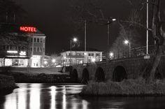 New free stock photo of black-and-white city night #freebies #FreeStockPhotos