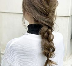 We've found the dreamiest hairdos to get you into the Valentines Day spirit!