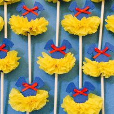Snow White inspired cupcake toppers.  Perfect for any royal celebration.