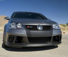 Volkswagen Jetta RGT Vw Bora Tuning, Performance Tyres, Roll Cage, Sports Sedan, Vw Cars, Volkswagen Jetta, Front Brakes, Twin Turbo, Cars And Motorcycles