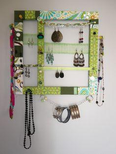 Porte bijoux vert