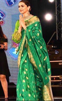 Deepika in ravishing green. I'm here wishing to have kept family heirloom sarees! Indian Sarees, Silk Sarees, Cotton Saree, Ethnic Sarees, Saris, Indian Wedding Outfits, Indian Outfits, Deepika Padukone Saree, Saree Dress