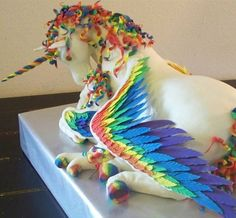 Unicorn cake… not technically a Breyer or model horse refashion... but c'mon! This is awesome!