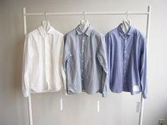 YAECAを代表するアイテムのひとつが、スナップボタンと、サイドポケットが特徴的な、着まわし自在のコンフォートシャツ。
