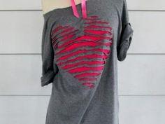 """Un cœur """"déchiré"""" dans un tee shirt - par planete tutos"""