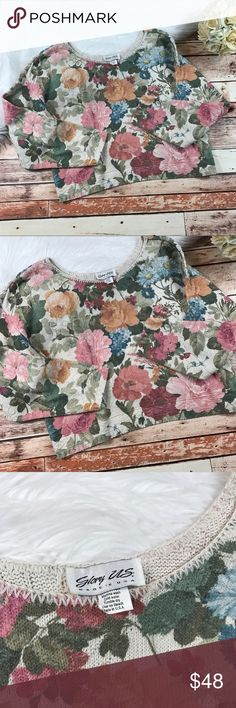 Vintage 1980s beautiful floral cropped sweater So adorable! In excellent condition! No size tag but would fit a size medium to small the best. Measurements are included in the photos! Would look best paired with some high rise jeans! ***NO modeling or trades!! ::186 Vintage Sweaters