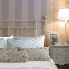 cama forja blanca - Buscar con Google Muebles Shabby Chic, Home Deco, Ideas Para, Bed Pillows, Pillow Cases, Sweet Home, Diy Crafts, Rustic, Bedroom