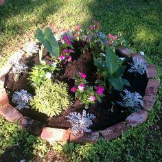 Our round garden area & 27 best Round Gardens images on Pinterest | Herb garden Herbs ...