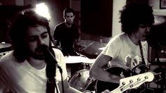 Boogarins - Despreocupar (Official Video)