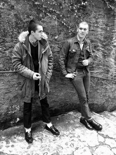 the mod look - Yahoo Image Search Results Mode Skinhead, Skinhead Boots, Skinhead Fashion, Skinhead Style, Dr. Martens, Fishtail Parka, Mod Look, Skin Head, Hippie Man