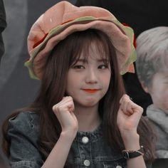 Kpop Girl Groups, Korean Girl Groups, Kpop Girls, Lisa Black Pink, Black Pink Kpop, Blackpink Icons, Cute Icons, Blackpink Video, Foto E Video