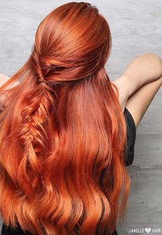 Copper Hair Color Ideas http://blanketcoveredlover.tumblr.com/post/157379936748/wavy-a-line-bob-having-wavy-hair-is-always-an
