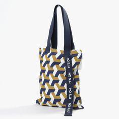 Saco de Pano It's On 32 x 38 cm | referência 26881396 | A Loja do Gato Preto | #alojadogatopreto | #shoponline Collections, Tote Bag, Black, Dish Sets, Tents, Boutique Online Shopping, Tableware, Carry Bag, Tote Bags