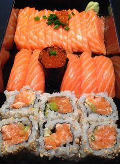 best sushi in Norway: Alex Sushi Think Food, I Love Food, Good Food, Yummy Food, Sushi Recipes, Asian Recipes, Healthy Recipes, Sushi Party, Sushi Sushi
