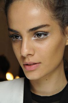 Love the graphic white liner + lashes at Nanette Lepore: http://beautyeditor.ca/2014/09/18/nanette-lepore-spring-2015-makeup