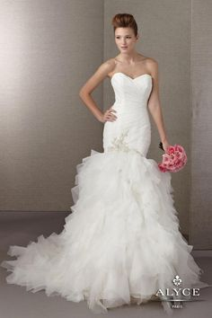 Alyce+Paris+Wedding+Dress+7867+-+Sweetheart+neckline,+shirred+bodice,+and+ruffles,+ruffles+and+more+ruffles.