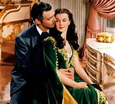 Top 10 cărți de dragoste care au inspirat filme de succes Suntem romantice, adorăm cărțile de dragoste, iubim și suferim alături de eroii lor, avem povești preferate pe care le citim și recitim, av…