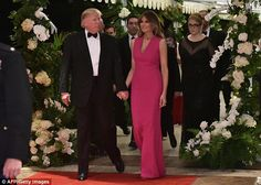 US President Donald Trump and First Lady Melania Trump arrive for the Annual Red Cross Gala at his Mar-a-Lago estate in Palm Beach on February / AFP / Mandel Ngan (Photo credit should read MANDEL NGAN/AFP/Getty Images) Donald And Melania Trump, First Lady Melania Trump, Donald Trump, Melania Trump Dress, Emily Ratajkowski, Melania Knauss Trump, First Ladies, Dior Gown, Trump One