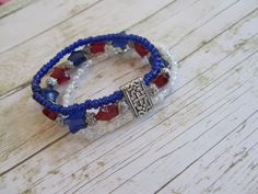 Patriotic Bracelet, Red White and Blue Bracelet, Americana Bracelet, Red Bracelet, Blue Bracelet, Star Bracelet, 4th of July Jewelry, Gifts by BrownBeaverBeadery on Etsy