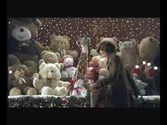 """Si hablamos de navidad una de las primeras imágenes que nos viene a la cabeza es """"el calvo de la lotería"""" durante años hicieron anuncios emotivos los cuales quedan en el recuerdo y hacen que vivamos el sorteo del 22 de diciembre como algo especial y típico de la Navidad."""