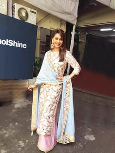 Glam Gal - Madhuri Dixit - Nene Glam Point - So you Think You Can Dance Glam Tip - Floral print is the best way to rock an Indian Outfit -Your Glam Pal, Bee & Blu by Srishti India Fashion, Ethnic Fashion, Asian Fashion, Women's Fashion, Red Lehenga, Lehenga Choli, Sari, Khada Dupatta, Anarkali Dress
