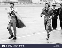 Stock Photo - The prince and Princess of Wales arriving at London's Heathrow Airport in the pouring rain from Vienna in April 1986 Prince And Princess, Princess Of Wales, Buckingham Palace Gardens, Charles And Diana, Heathrow Airport, English Royalty, Diana Spencer, Lady Diana, Black And White Pictures