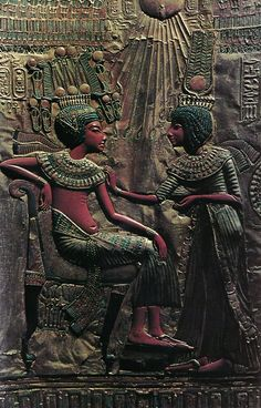 The back of the throne of Tutankhamun Queen Ankhesenamun holds a salve cup and spreads perfumed oil on her husbands collar in a typical Amarna style. Ancient Egypt Art, Ancient Artifacts, Ancient Aliens, Ancient History, Art History, Ancient Egyptian Tombs, African History, African Art, Kairo
