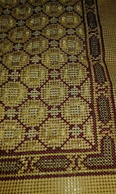 Beaded Embroidery, Cross Stitch Embroidery, Cross Stitch Patterns, Embroidery Designs, Needlepoint Stitches, Needlework, Filet Crochet, Beading Patterns, Bohemian Rug